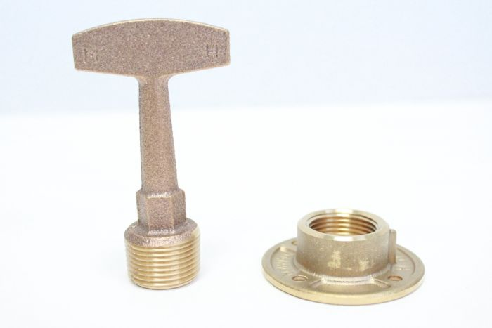 DRAIN PLUG T-FITTING ASSY